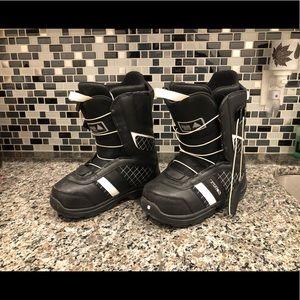 Burton snowboarding boots - boys